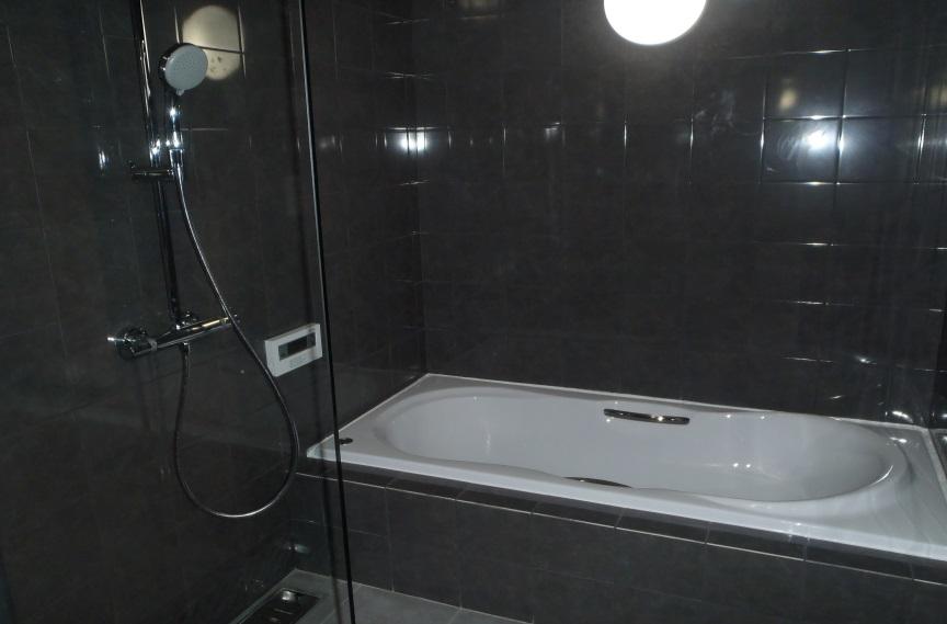 おしゃれで広々した浴室へリフォーム
